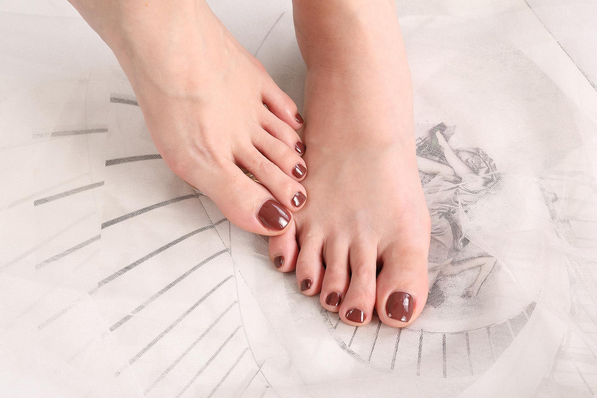 Как сделать дома красивый модный педикюр, сохранить ноги презентабельными в любое время года и без дополнительных затрат?