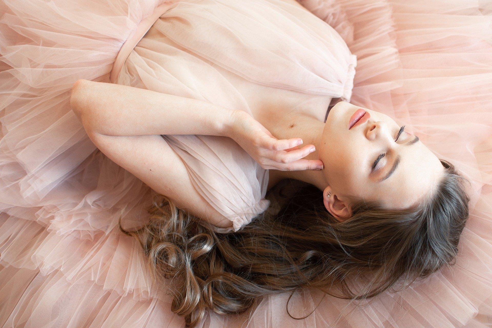 Женский парфюм для волос: что это такое? В каких случаях он необходим?